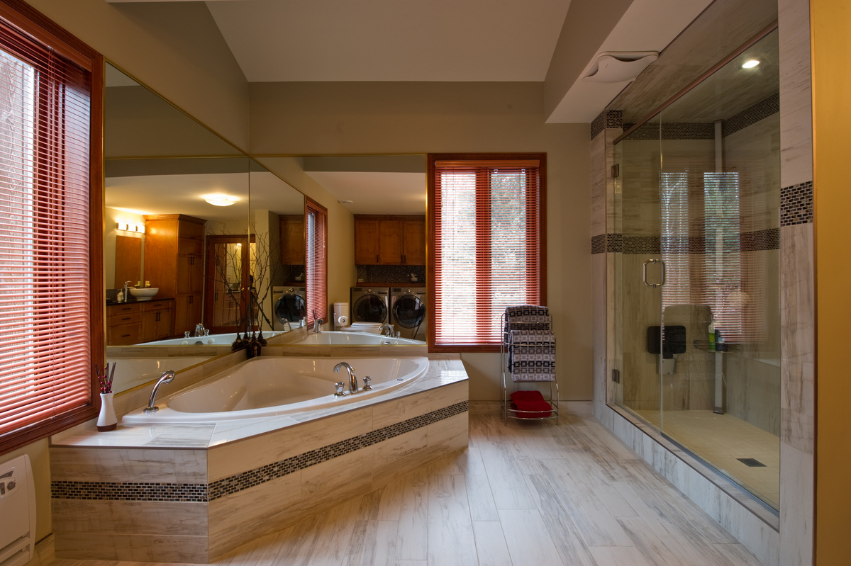 Lorraine masse design 39 39 best of houzz 2016 39 39 design for Salle de bain design