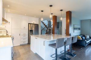 Design&deco_Cuisine_salle-de-bain-lavage_salon-manteau-foyer_Escaliers_LM Design_2020